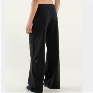 Womens Lululemon wide leg workout pants black sz4